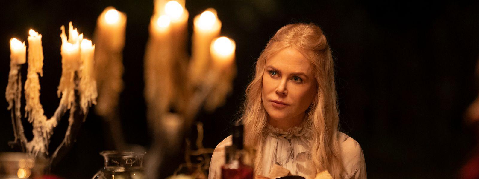 """Will aus ihren neun Gästen eines New Age-Wellness-Tempels neue Menschen machen: Masha (Nicole Kidman) in der Serie """"Nine Perfect Strangers""""."""