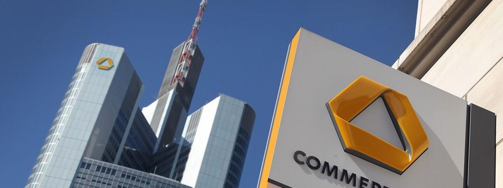 Großrazzia bei der Commerzbank in Frankfurt (Foto aus dem Jahr 2011): Ziel der Fahnder sind Steuerhinterzieher und ihre mutmaßlichen Helfer.