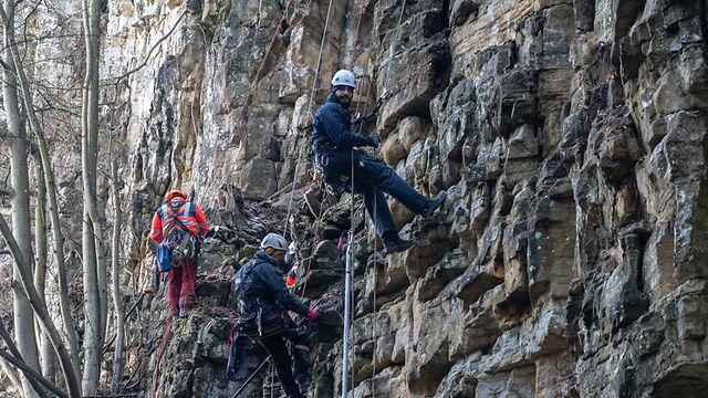 Lok , Osten , Arbeiten Felswand Wolfsschlucht Müllerthal , Mellerdall ,Mullerthal Trail  Foto:Guy Jallay/Luxemburger Wort