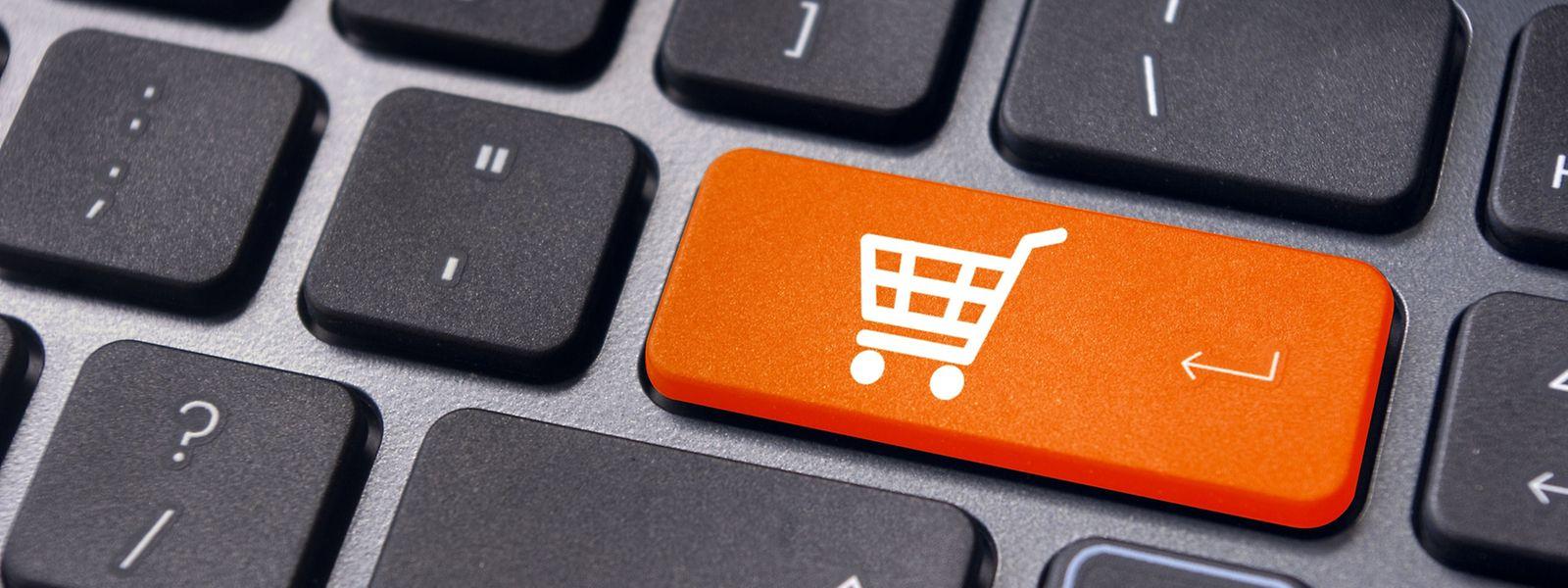Die Europäische Kommission hat Untersuchungen eingeleitet, ob Verbraucher daran gehindert werden Produkte und Dienstleistungen über Grenzen hinweg auswählen und zu wettbewerbsfähigen Preisen zu kaufen.