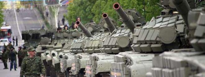 Les rebelles organiseront leur propre parade militaire, samedi dans leur fief de Donetsk.