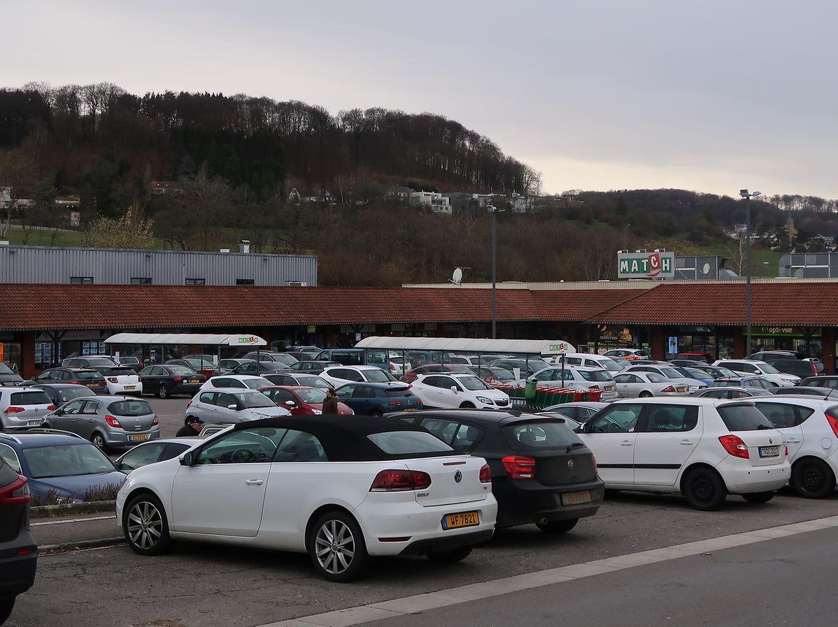 Au centre commercial de Niederanven, «c'est toujours plein. Le passage est énorme», témoigne un agent immobilier de Luxembourg-Ville qui s'est installé il y a tout juste un mois sous les Arcades.