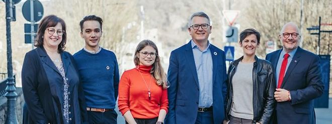Simone Asselborn-Bintz, Elisha Winckel, Lisa Kersch, Nicolas Schmit, Joanne Goebbels et Marc Angel sont les candidats LSAP aux Européennes.