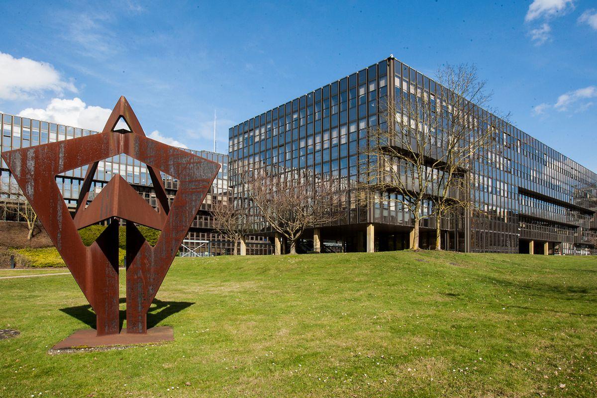 Nach 40 Jahren hat das Jean-Monnet-Gebäude auf Kirchberg ausgedient.
