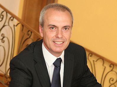 Coimbra de Matos foi distinguido em 2014 por Cavaco Silva com a Ordem do Infante pelo seu trabalho de voluntariado de mais de duas décadas junto da comunidade portuguesa no Luxemburgo.