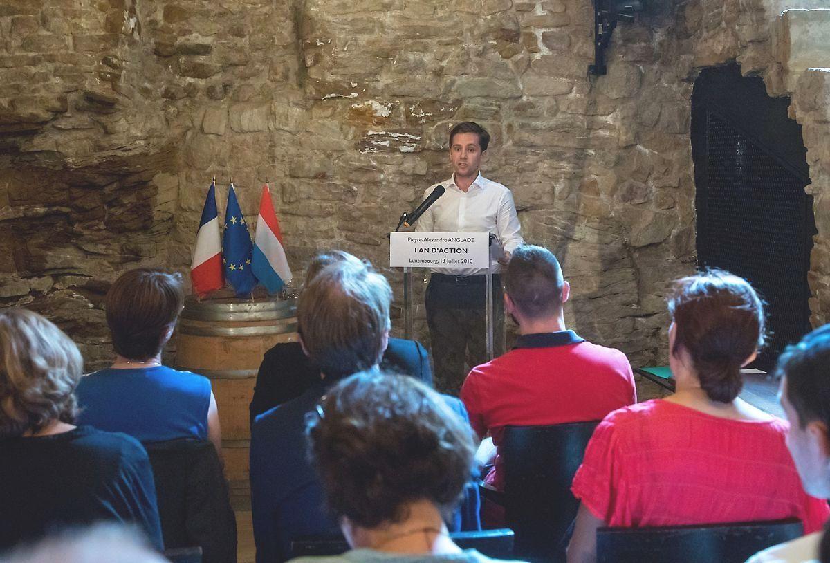 Pieyre-Alexandre Anglade dans le caveau de la Bulle de Vin à Luxembourg, le 13 juillet