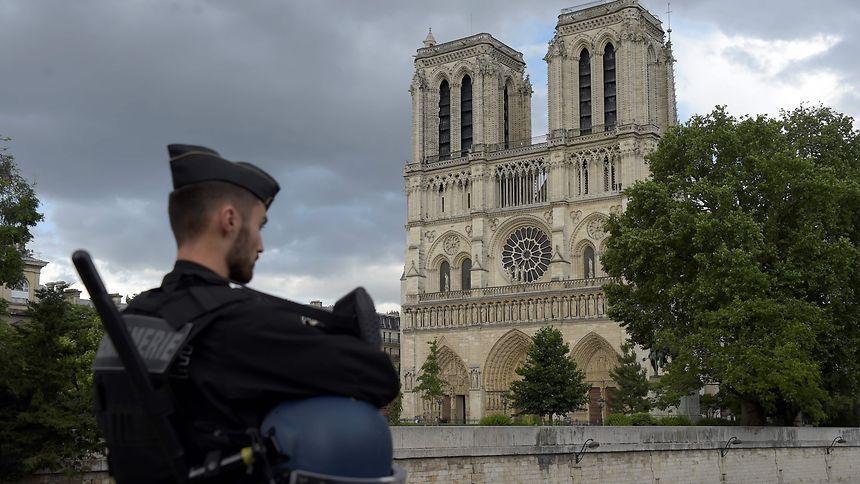 Angreifer von Notre-Dame bekennt sich in Video zu IS