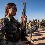 Tropas sírias avançam para a fronteira com a Turquia