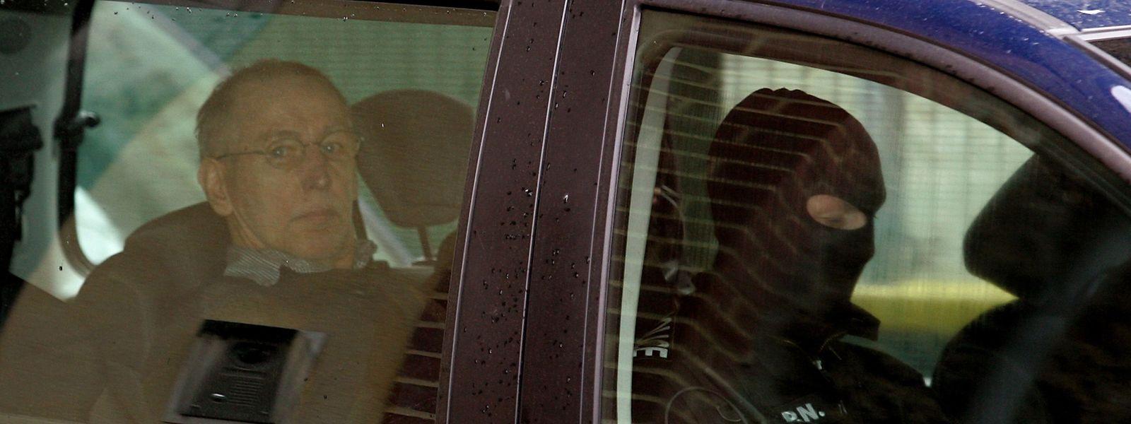 Le serial killer Michel Fourniret est passé aux aveux au terme de trois jours d'interrogatoire.