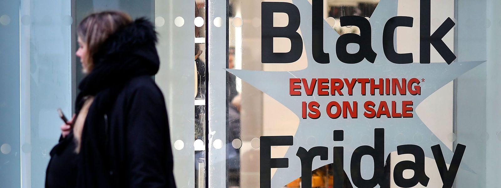 """Verlockende Angebote, satte Rabatte, gute Deals – am Freitag ist wieder der sogenannte """"Black Friday""""."""
