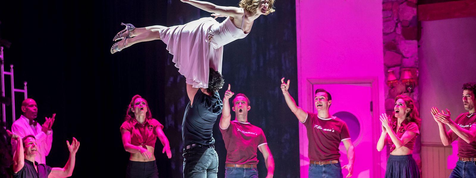 Die Hebefigur klappt, das Publikum kann erleichtert aufatmen.