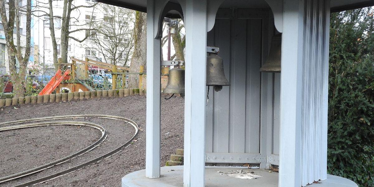 Verwaist ist der Pavillon, in dem der Zwerg die Glocken läutete.