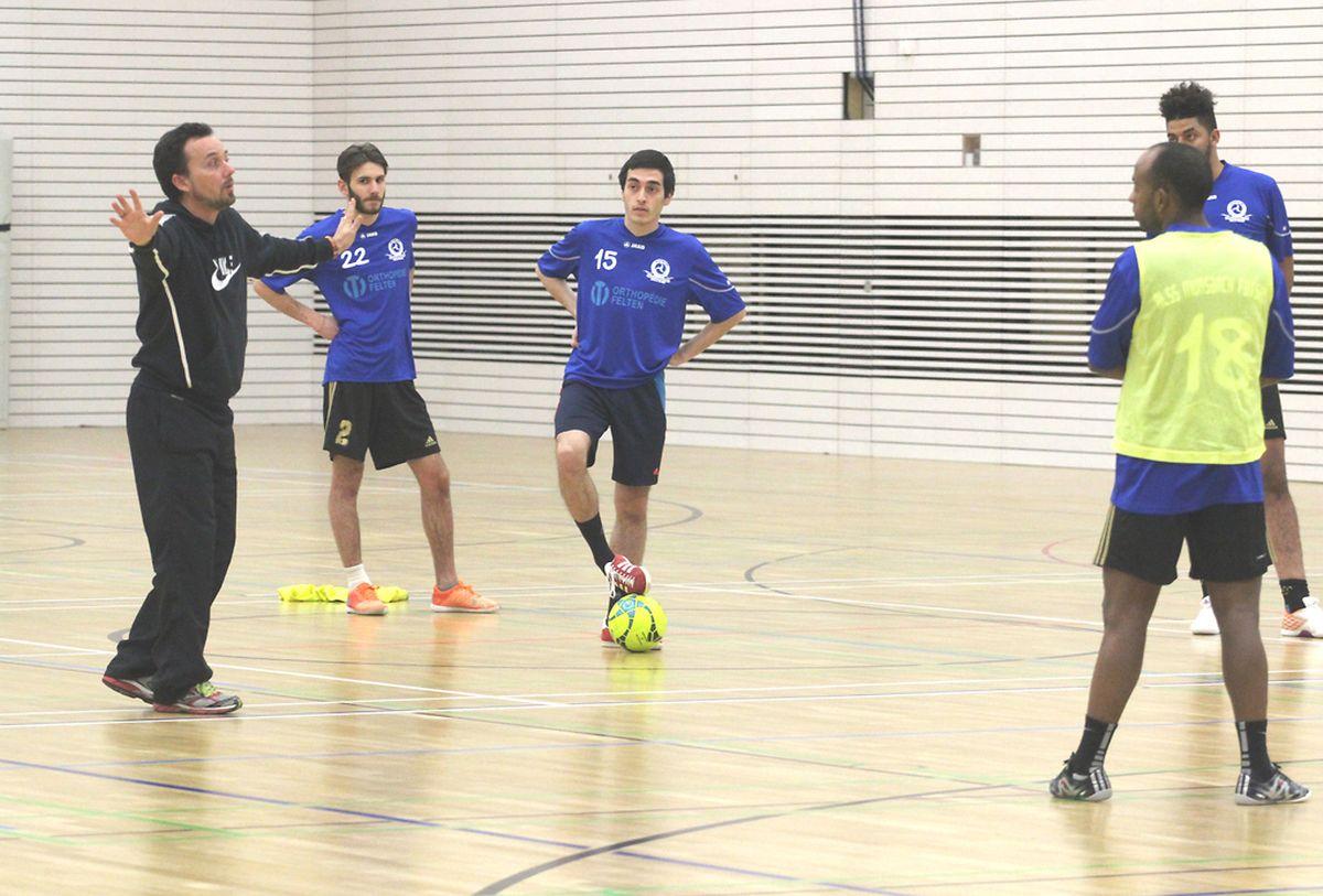 O treinador espanhol numa das suas intervenções