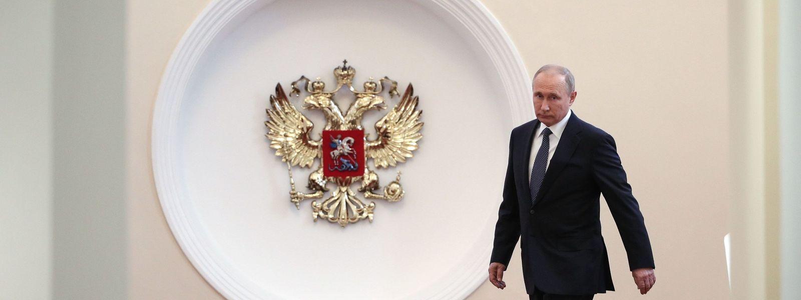 Die beherrschende Frage über Putins neuer Amtszeit ist aber: Was kommt danach? Laut Verfassung muss er 2024 abtreten, er wird dann 71 sein.