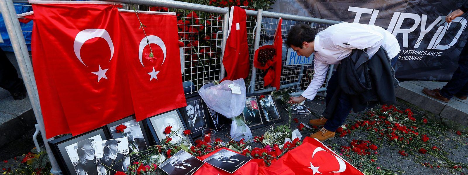 Selon la chaîne TRT, le suspect résidait dans un appartement loué par un ressortissant kirghize à Istanbul, qui a été également arrêté.