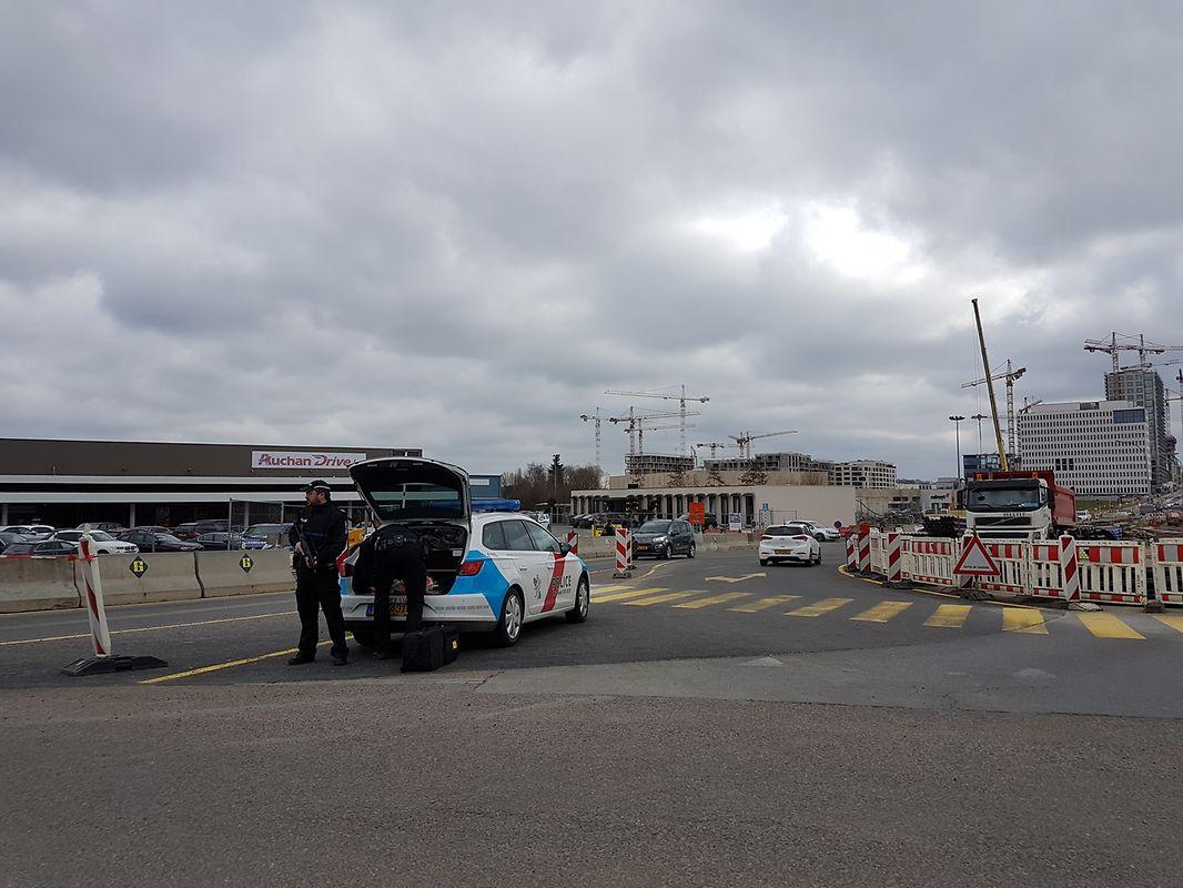 Policiers postés à Gasperich