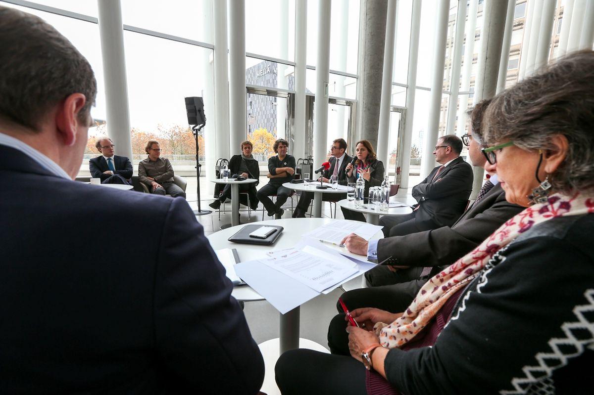 """""""Lëtzebuerger Kënschler fir Flüchtlingen"""": Vorstellung des Benefizkonzerts in der Philharmonie."""