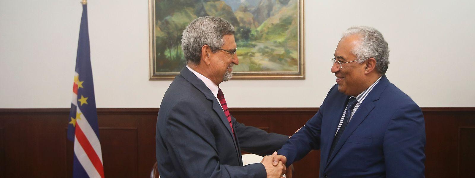 António Costa cumprimenta o Presidente da República de Cabo Verde, Jorge Carlos Fonseca