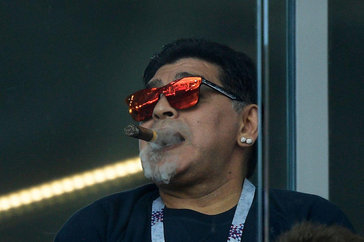 Heutzutage fällt Maradona eher durch Skandale auf.