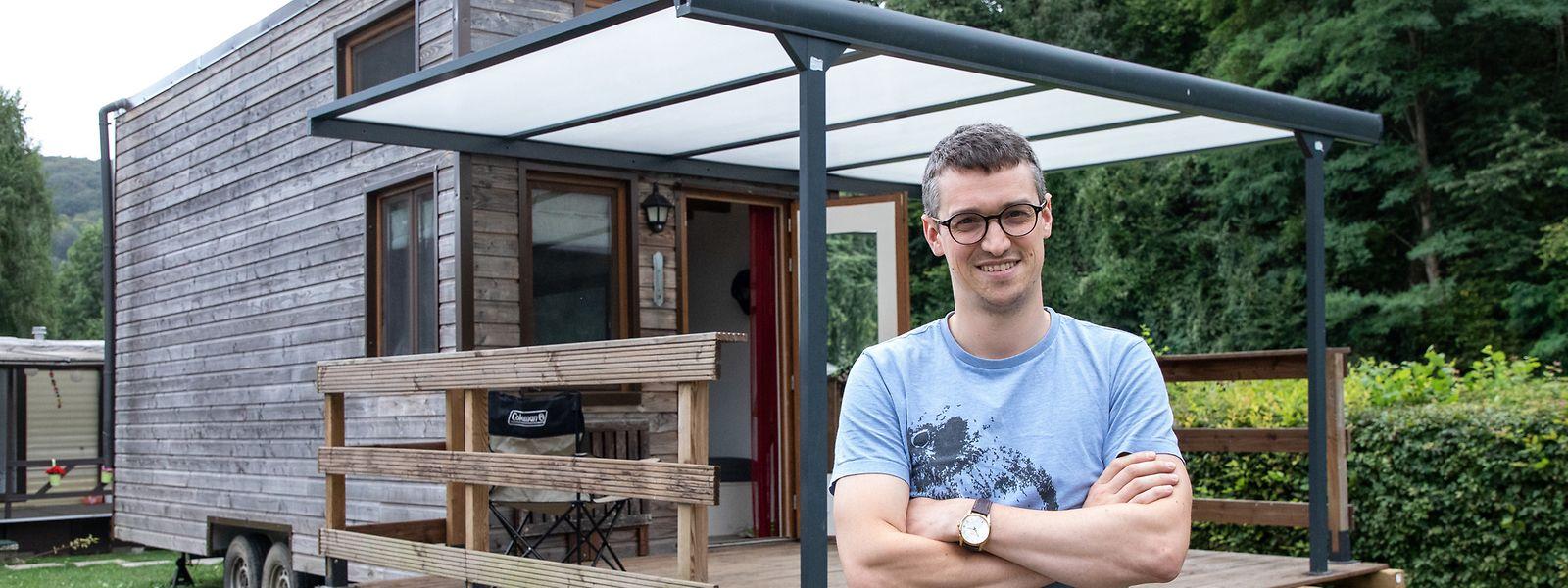 Denis Weinquin könnte auch in ein Mehrfamilienhaus ziehen, doch er hat sich vor Kurzem für ein Leben in einem Tiny House entschieden.
