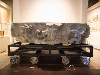 Le lion de Luxembourg, de plus de trois tonnes, a été déplacé du Pont Adolphe dans le musée Dräi Eechelen.