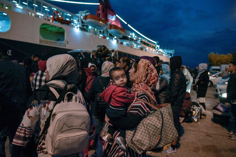 Unter den vielen Flüchtlingen sind auch viele Kinder.