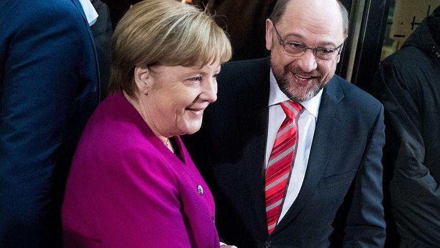 Está cada vez mais próxima a coligação governamental entre o partido de Angela Merkel, CDU, e o SPD de Martin Schulz.
