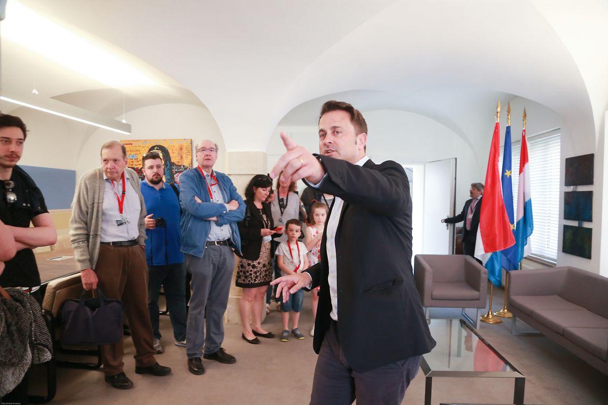 Premierminister Xavier Bettel führte die Besucher durch das Staatsministerium.