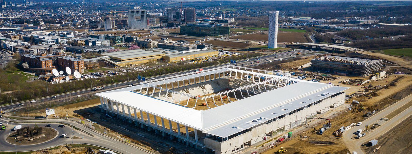 Dans un peu plus d'un an les travaux du nouveau stade national de football et de rugby seront achevés de l'autre côté de l'A6