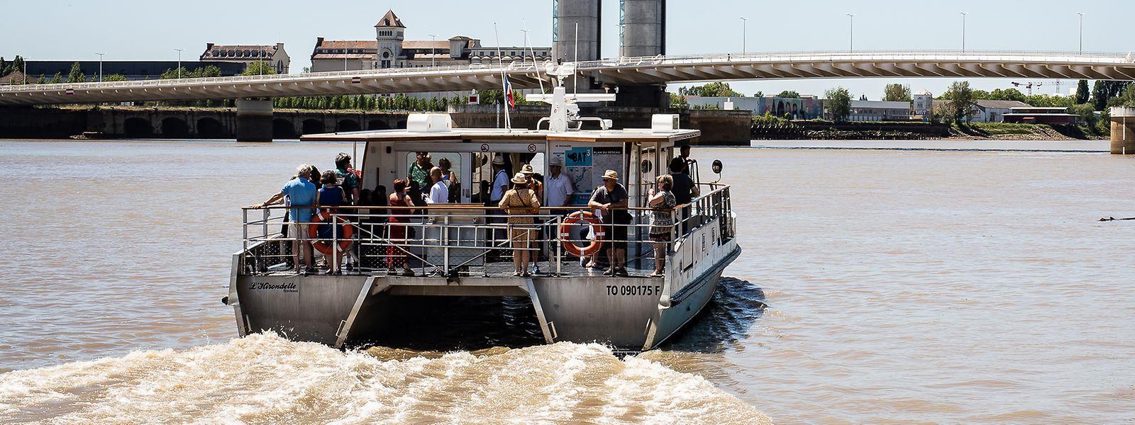 A Bordeaux, le service fluvial fonctionne tous les jours de l'année. Sauf le 1er mai où les moussaillons sont de repos. Un exemple à suivre à Metz?