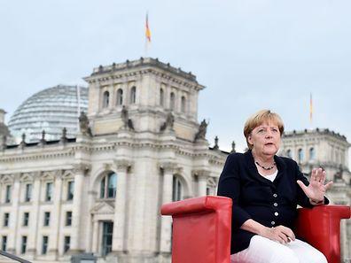 Kanzlerin Angela Merkel will sich noch nicht offiziell festlegen, ob sie sich erneut zur Wahl stellt.