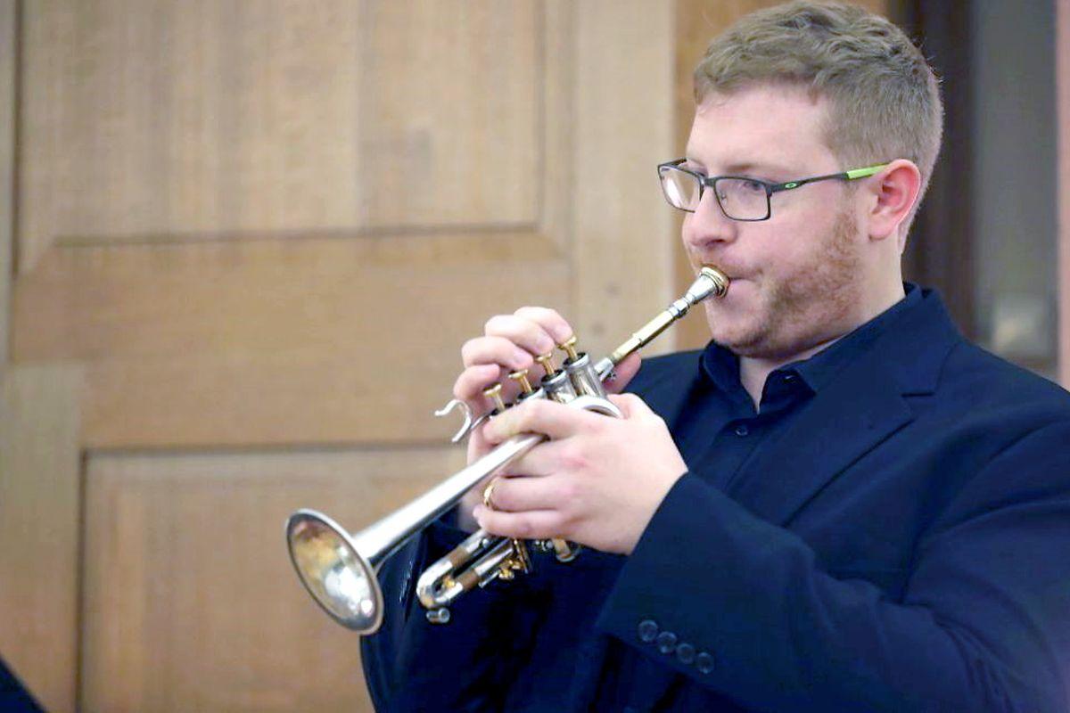 """Für Jeff Mack ist sein Lehrauftrag als Trompetenlehrer auch """"eine finanzielle Stütze in diesen schwierigen Zeiten"""". ⋌Foto: privat"""