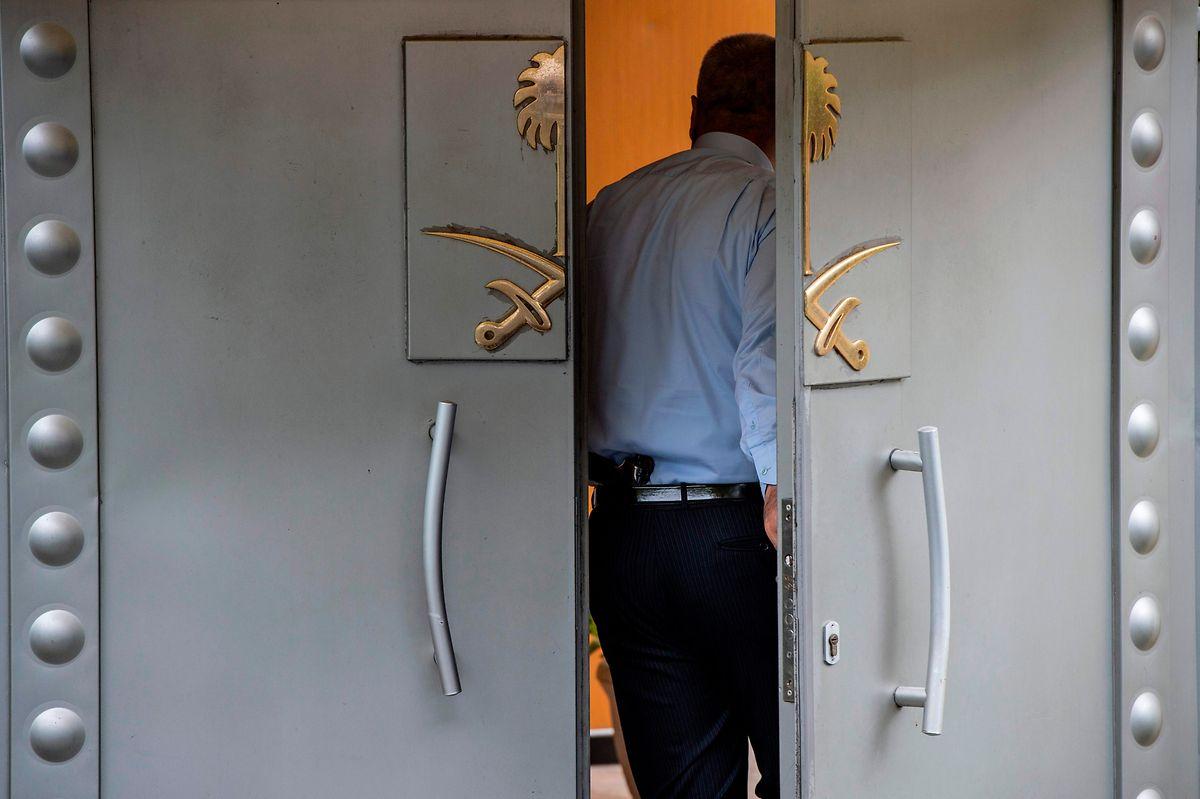 Darüber, was hinter den Türen des saudischen Konsulats passierte, gibt es immer noch keine gesicherten Erkenntnisse.