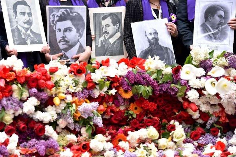 Zahlreiche Armenier gedachten am Freitag in Eriwan ihren im Ersten Weltkrieg getöteten Landsleuten.