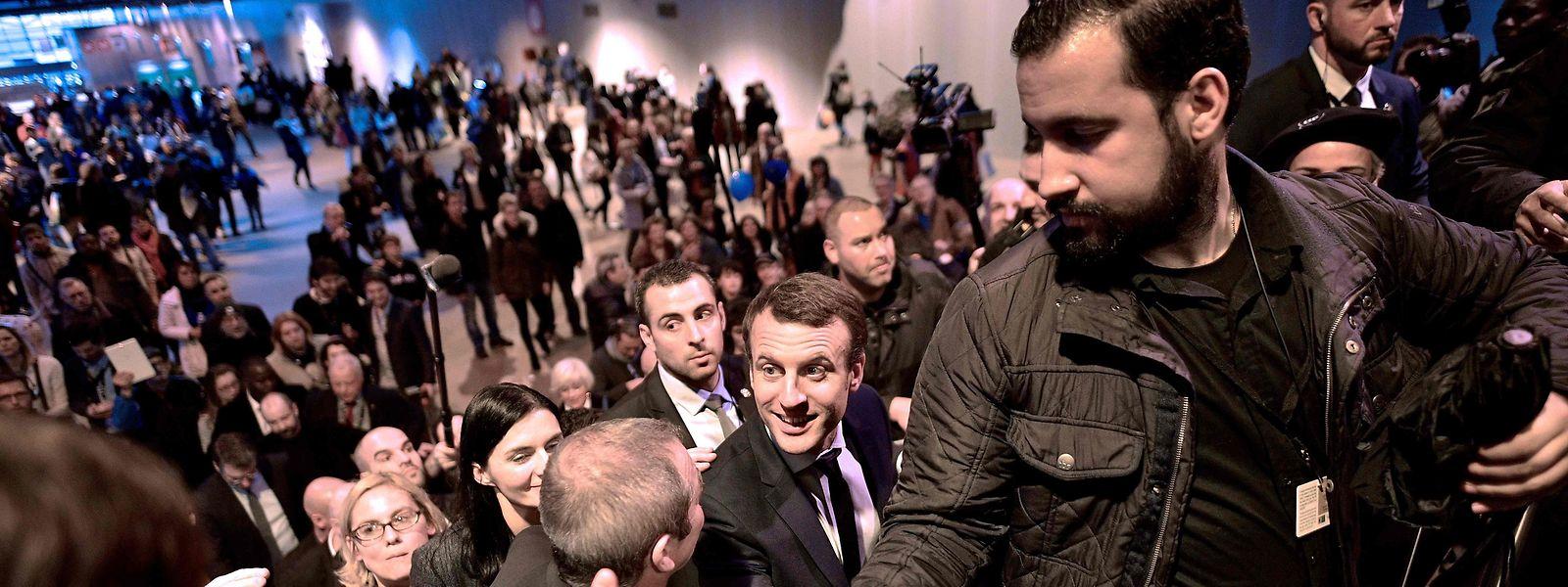 Alexandre Benalla sollte als Sicherheitsbeauftragter des französischen Präsidenten eigentlich im Hintergrund bleiben.