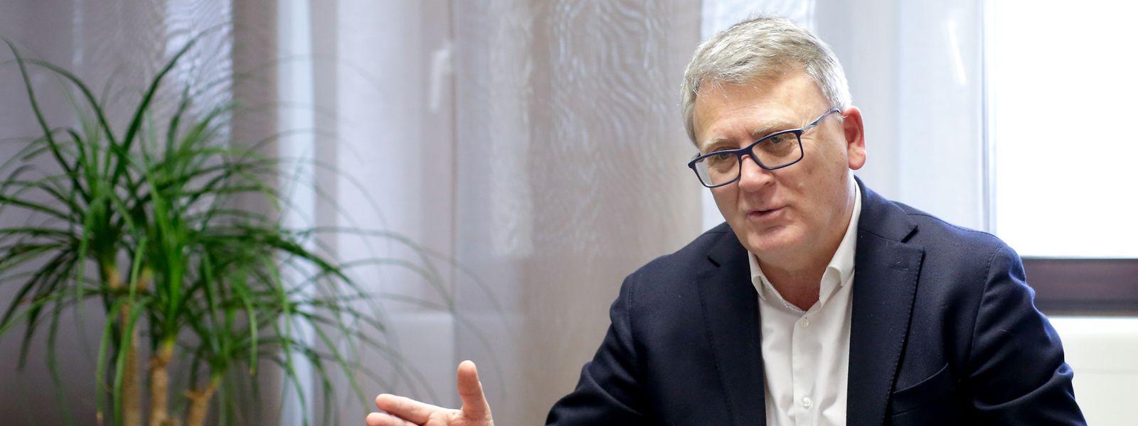 Beschäftigungsminister Nicolas Schmit weist die Vorwürfe des OGBL als unwahr zurück.