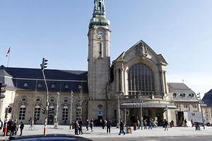 22.2. Tram / Bahnhof Luxemburg / Gare foto: Guy Jallay