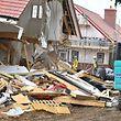 """""""Ganze Arbeit"""": Ein Bauarbeiter hat in England fünf neugebaute Häuser wieder teilweise eingerissen."""