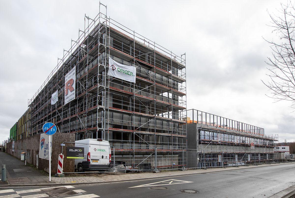 Der Rohbau für das neue Gebäude steht.