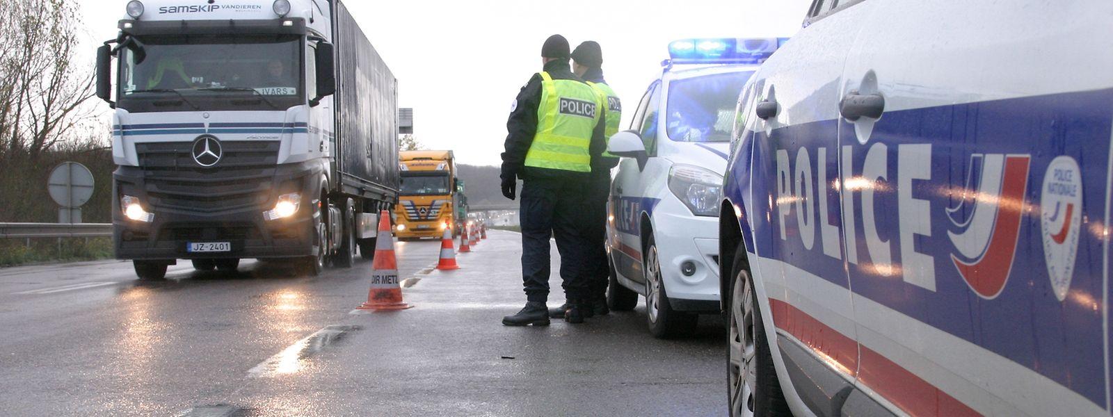 Dès 5 heures mardi matin, les hommes de la police aux frontières (PAF) ont filtré les véhicules à hauteur de l'aire d'Entrange sur l'A31, direction Luxembourg.
