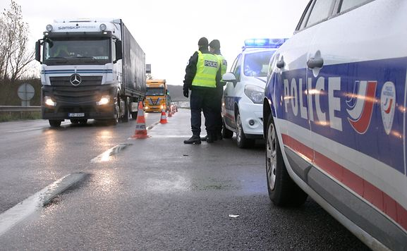 Luxemburger wort a31 les contr les seront permanents for Caa luxembourg