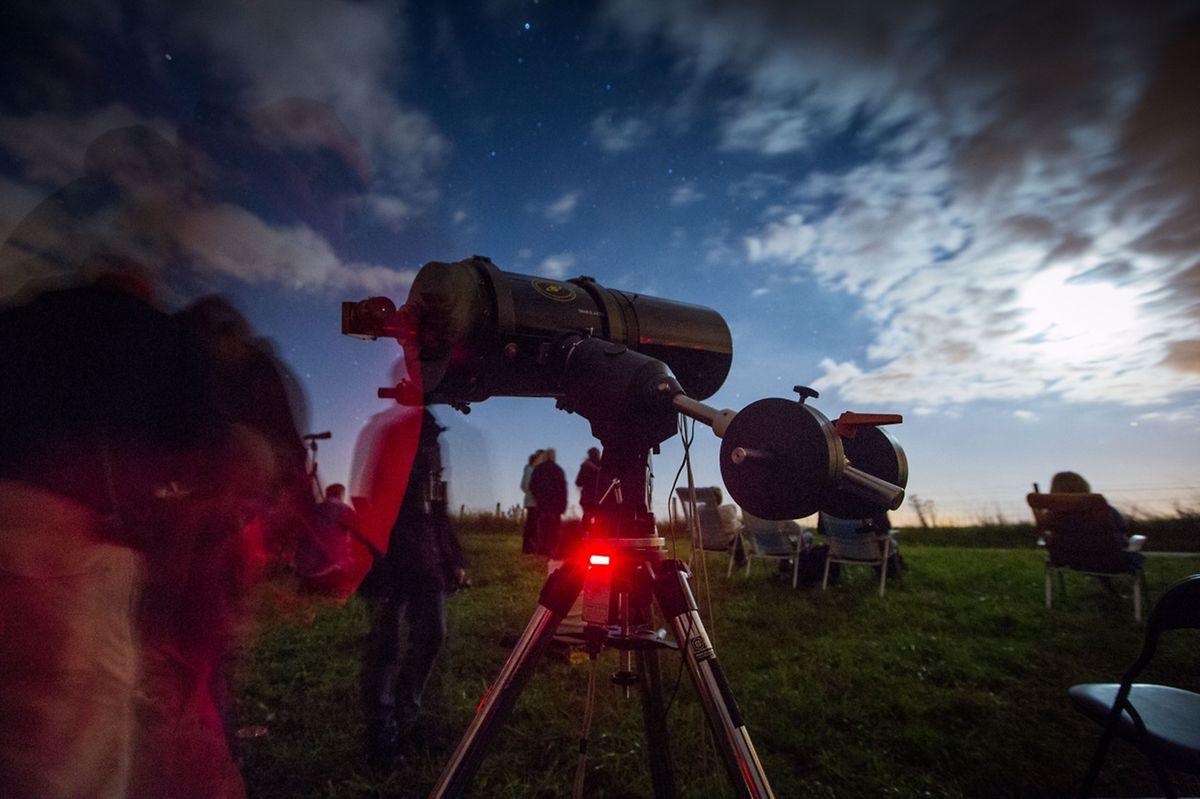 Mit bloßem Auge ließen sich die Sternschnuppen erkennen - umso besser mit Hightech-Gerät.