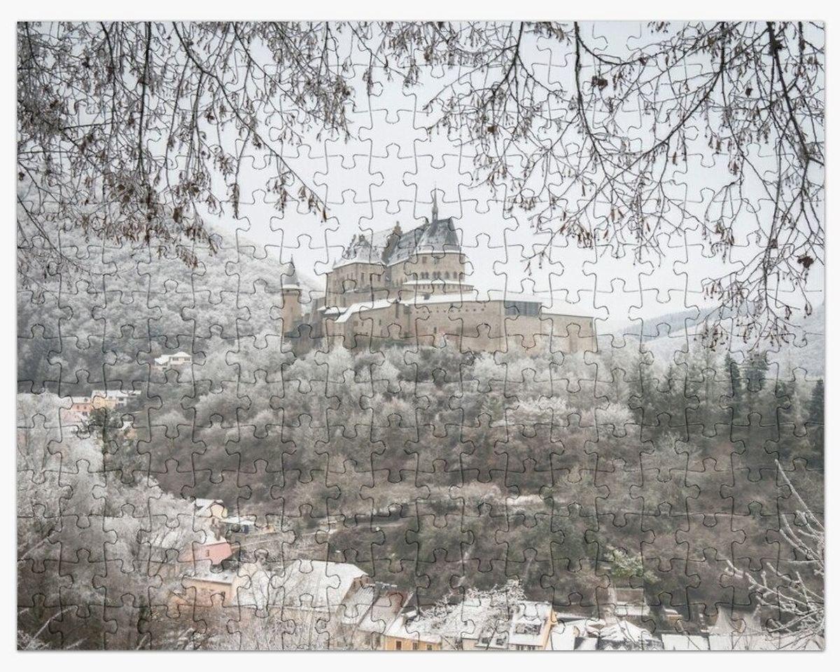 A jigsaw of Vianden Castle under snow Photo: Alfonso Salgueiro Photography