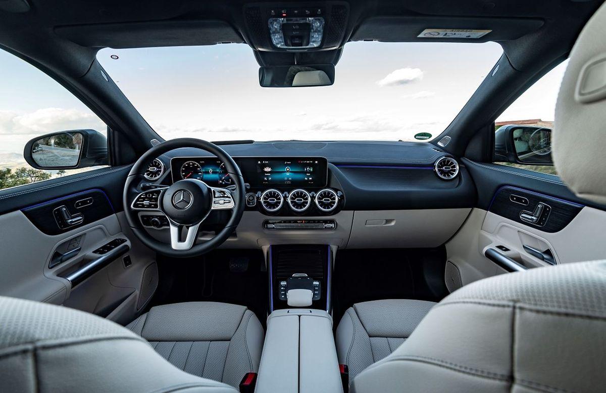 Obwohl außen kürzer als sein Vorgänger, ist der neue Mercedes-Benz GLA innen geräumiger.