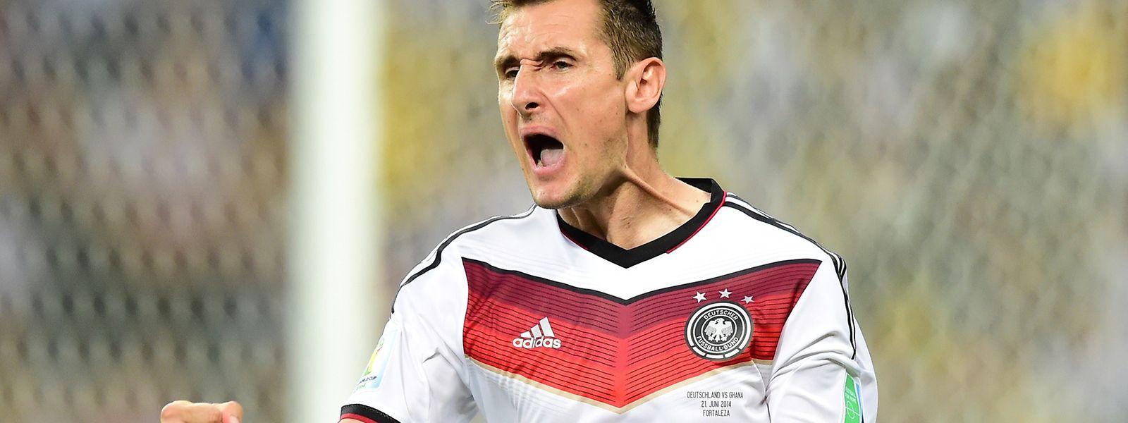 Miroslav Klose soll der Nationalmannschaft das Toreschießen beibringen.