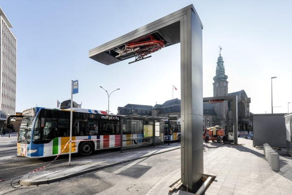 Die Ladestation für elektrische Busse am Hauptbahnhof ist fertiggestellt. Die Plug-in-Busse werden ab dem 1. Februar eingesetzt.