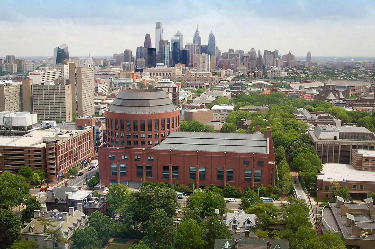 """Die """"Huntsman Hall"""" in Philadelphia das das Hauptgebäude der Wharton School of Finance."""