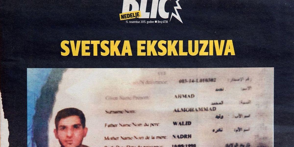 Une photo prise le 15 novembre à Belgrade montre la couverture du magazine Blic affichant le passeport syrien trouvé par la police près du corps de l'un des kamikaze qui s'est fait exploser à proximité du Stade de France. Ce passeport avait été délivré à Ahmad alMohammad, un demandeur d'asile qui avait emprunté la route des migrants jusqu'aux Balkans, a indiqué le ministre grec des Migrations.