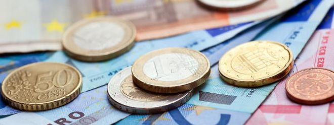 Mehr Geld für Berufstätige und Rentner könnte es schon im Oktober oder November geben.