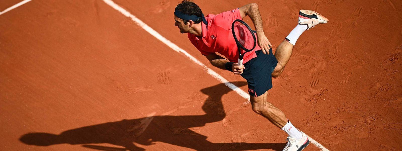 Roger Federer reste un des favoris du tournoi parisien 2021 déjà contrarié en tribune par les restrictions covid, et maintenant frappé par un scandale judiciaire.